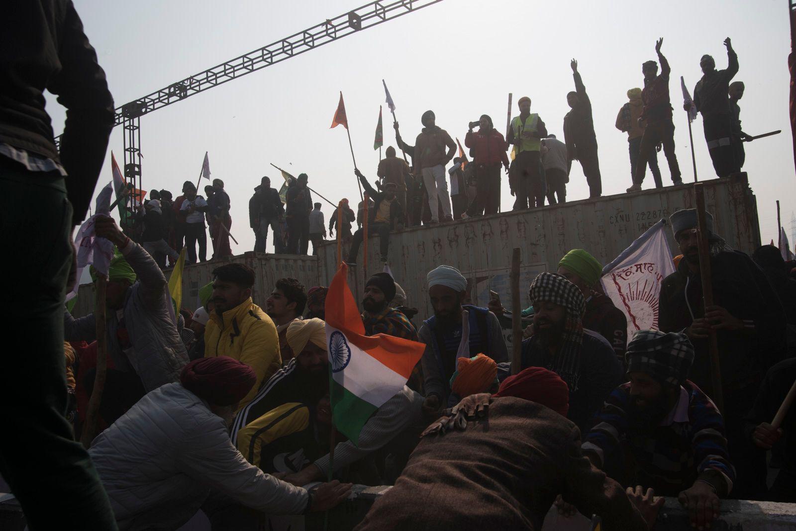 Protestors break through police barricades at Sanjay Gandhi Transport Nagar, New Delhi